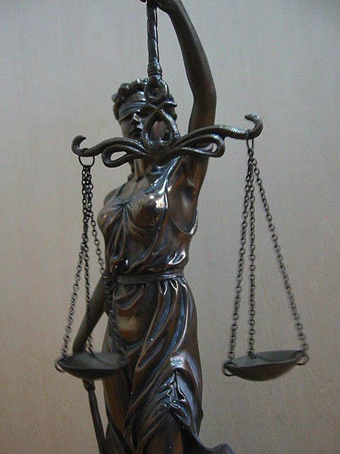 谁有justice司法女神的图? 司法女神像谁有justice司法女神的图? 飞天女神像 打屁股
